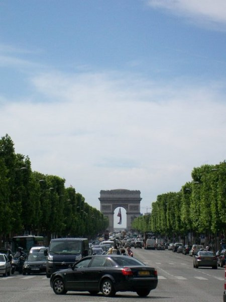 The Arch, from the middle of the Avenue that rises neatly to meet it. There was a nice illusion here - the Arch always looked closer than it actually was.